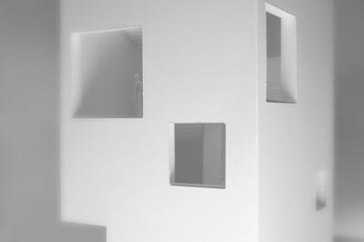 SS 16_Entwurf D_Melanie Seifert_Claudia Baer_ Modelfoto Fenster.jpg