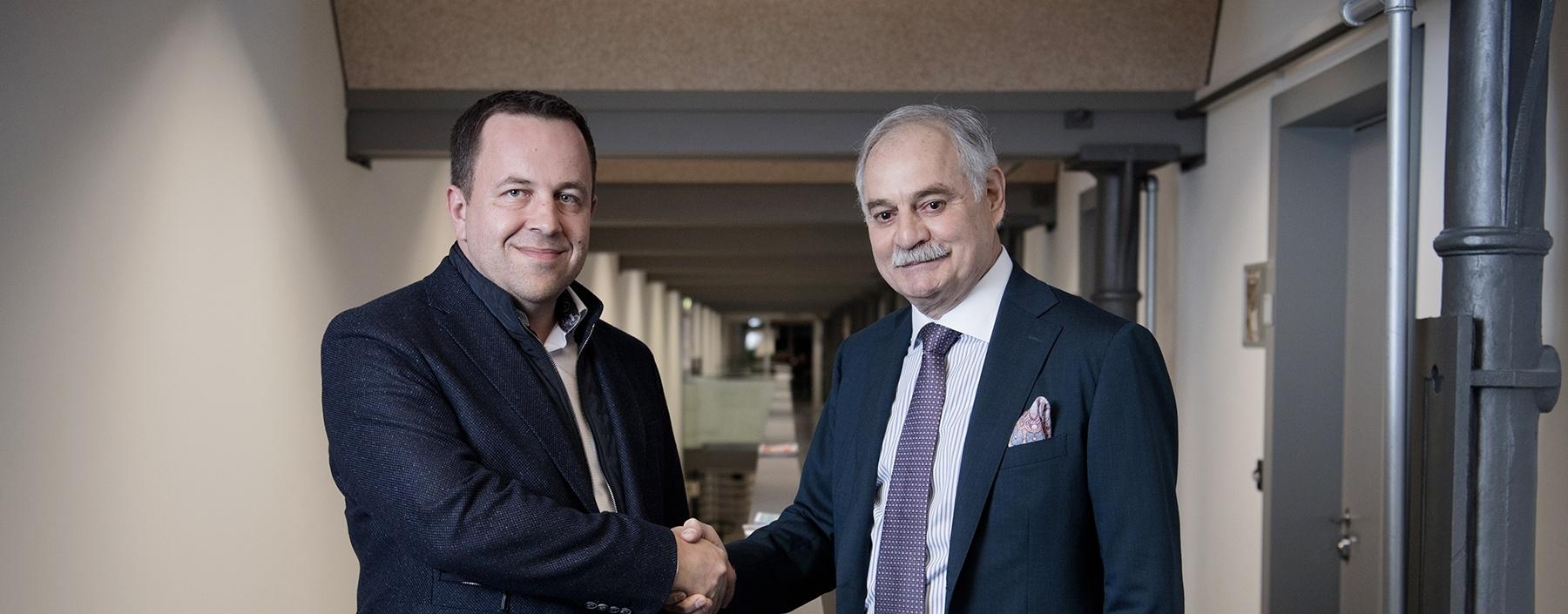 Bank Frick feiert Geburtstag und unterstützt Blockchain-Lehrgang an der Universität Liechtenstein