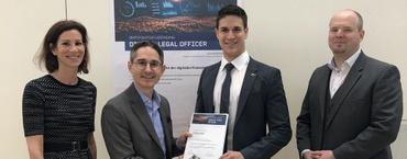 Feierliche Übergabe des Nägele-Rechtsanwälte-Stipendiums