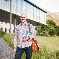 Gut zu Wissen: Aktuelle Studienbroschüre online