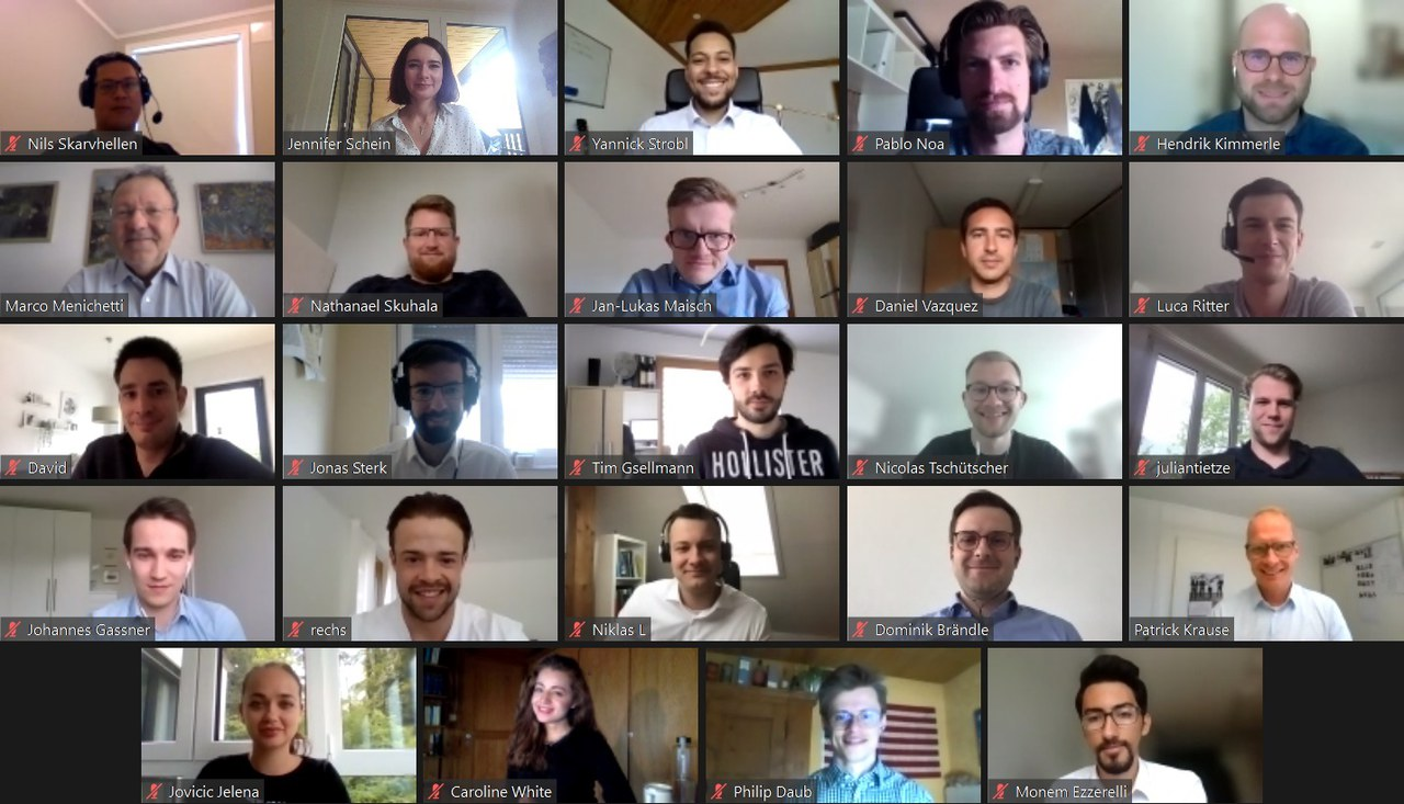 Masterstudierende auf virtueller Studienreise.