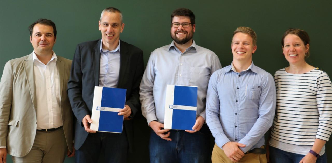 v.l.n.r.: Dr. Bernd Schenk, Prof. Dr. Michael Hanke, Gregor Friedrich-Baasner, Roope Jaakonmäki und Sandra Beyer. ©Lucio Vignolo