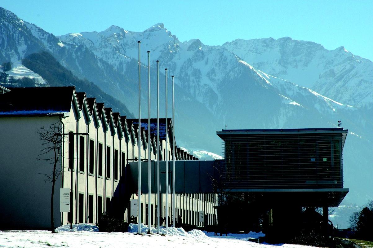 Uni_Liechtenstein_Campus_Winter.jpg